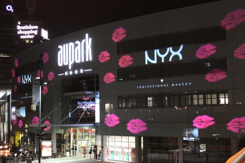 AUPARK, NYX, logo projection, shopping centre projection, marlox, proietta, advertising campaign, Picture